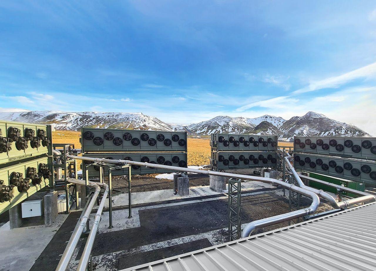 Anläggning för att fånga upp koldioxid har tagits i drift på Island