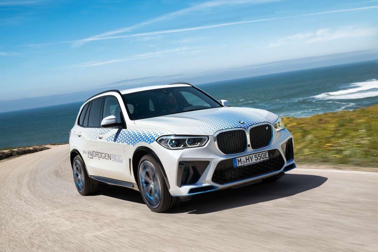 BMW visar vätgasdriven X5, igen