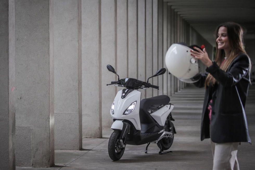 Nu lanseras den eldrivna scootern Piaggio 1