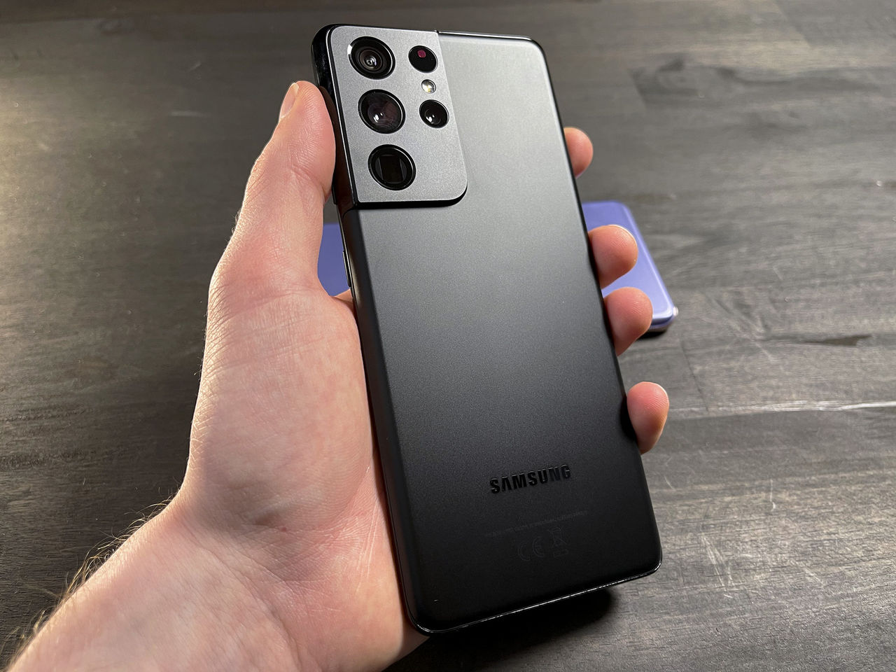 Samsung börjar sälja telefoner med abonnemang