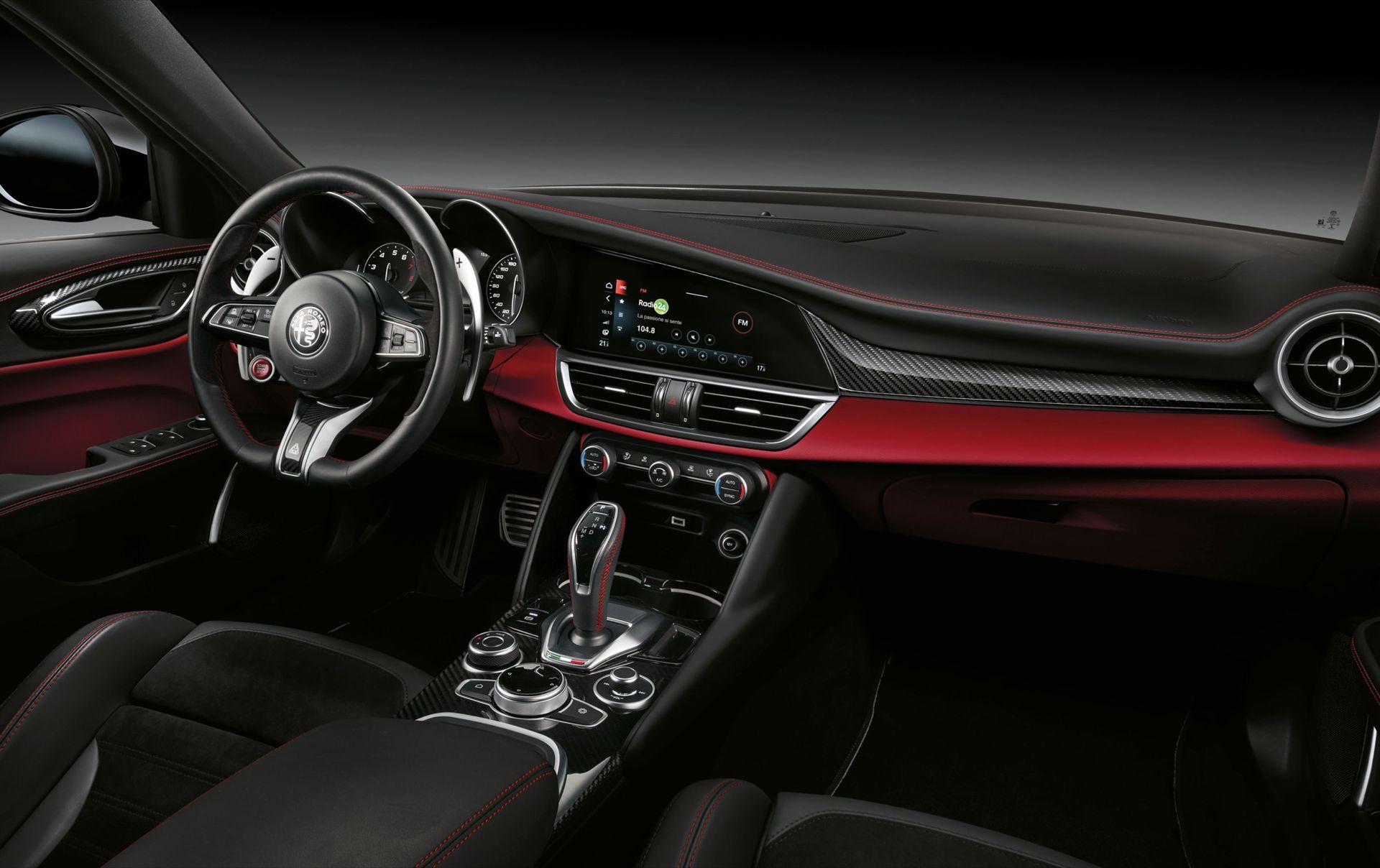 Framtida Alfa Romeos kommer ha så få skärmar det bara går