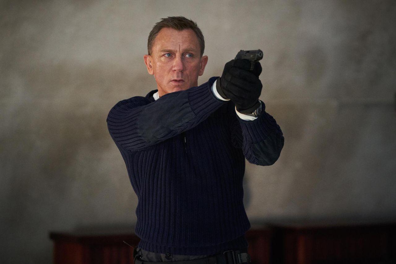 Daniel Craig tycker Bond ska spelas av en man