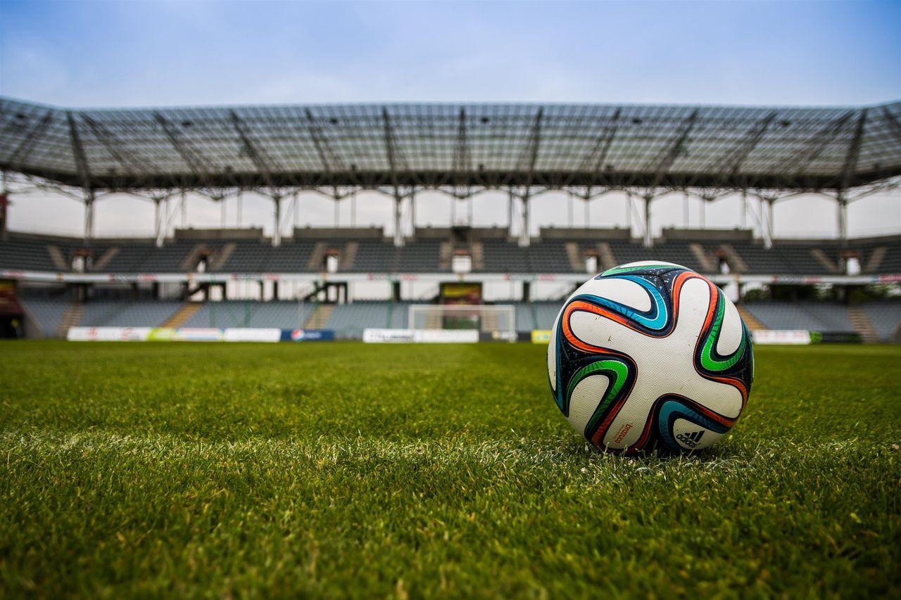 AC Milans tränare vill se basketregler i fotboll