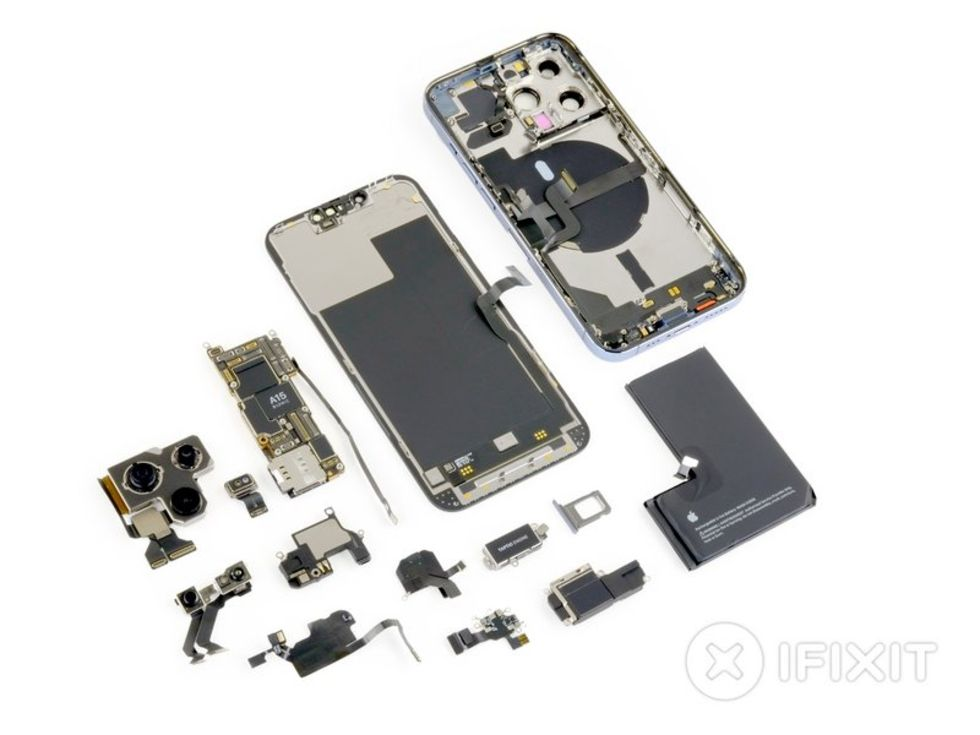 iFixit river isär iPhone 13