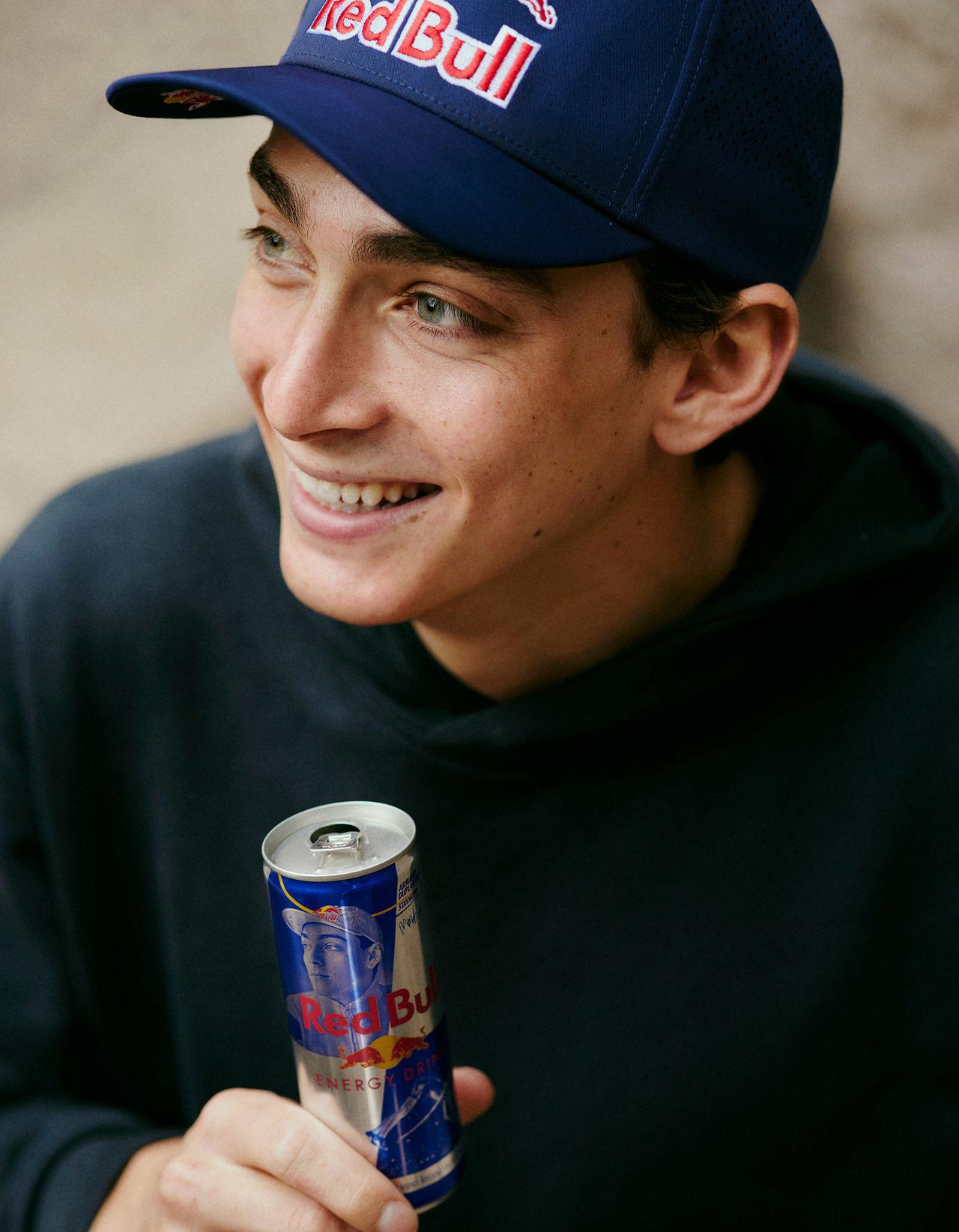 Mondo Duplantis får egen Red Bull-burk