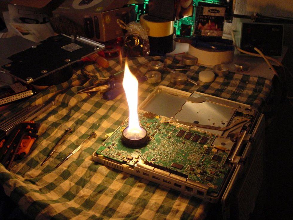Fixa en gammal iBook med lite eld