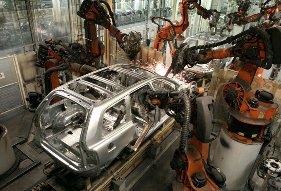 Volvo drar ner på tillverkningen