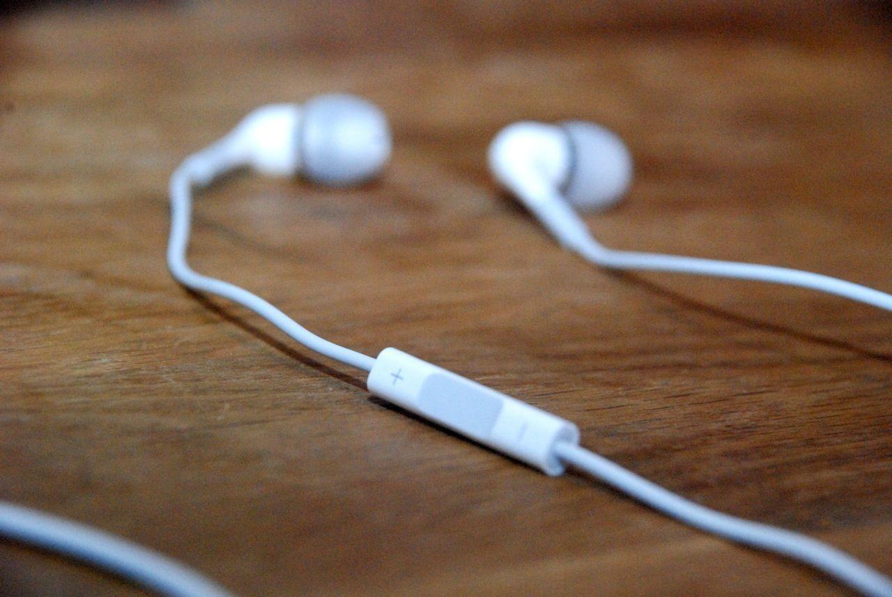 Apples In-Ear-hörlurar bäst för din iPhone. Men saknar officiellt ... 456a92c3a8775